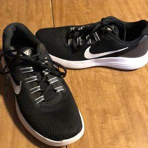 Women's Nike running shoe size 9.5